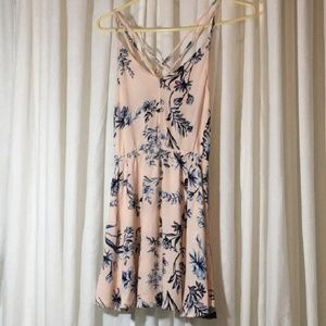 KENDALL & KYLIE pale pink dress